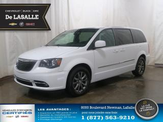 Used 2015 Chrysler Town & Country S demander le 104$/semaine programme sans tracas for sale in Lasalle, QC