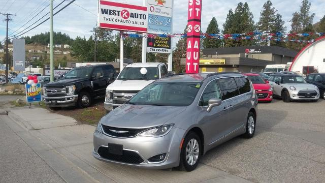 2017 Chrysler Pacifica Touring L AUTO/LEATHER
