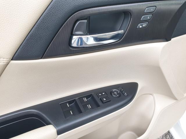 2015 Honda Accord Touring Photo27