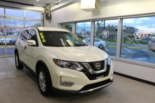 Used 2017 Nissan Rogue SV AWD CAMÉRA MAIN LIBRE for sale in Lévis, QC