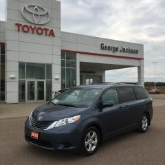 Used 2016 Toyota Sienna LE for sale in Renfrew, ON
