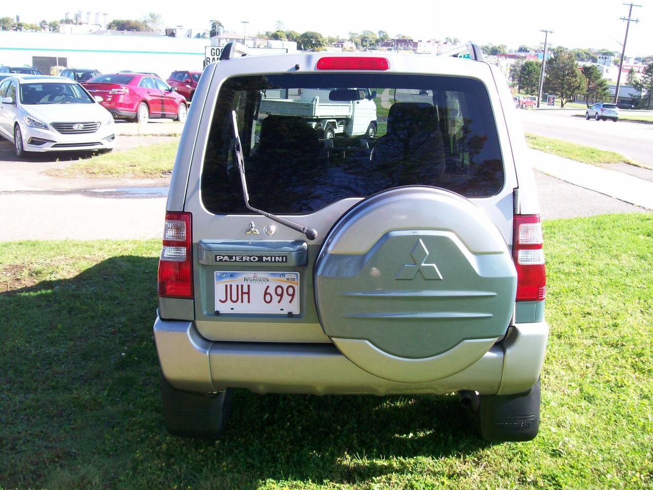 2004 Mitsubishi Pajero