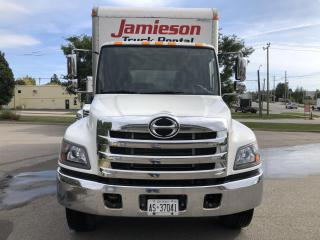 Used 2018 Hino 338 AL 24' with lift for sale in Kitchener, ON
