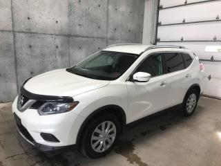 Used 2015 Nissan Rogue S TOUT EQUIPÉ CAMERA DE RECUL , BLUETOOTH , for sale in St-Nicolas, QC