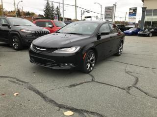 Used 2015 Chrysler 200 S berline A W D for sale in Sherbrooke, QC