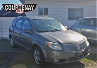 Used 2005 Pontiac Vibe Base w/Manual Transmission for sale in Courtenay, BC
