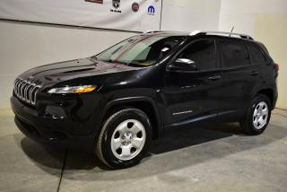 Used 2015 Jeep Cherokee Sport for sale in Sherbrooke, QC