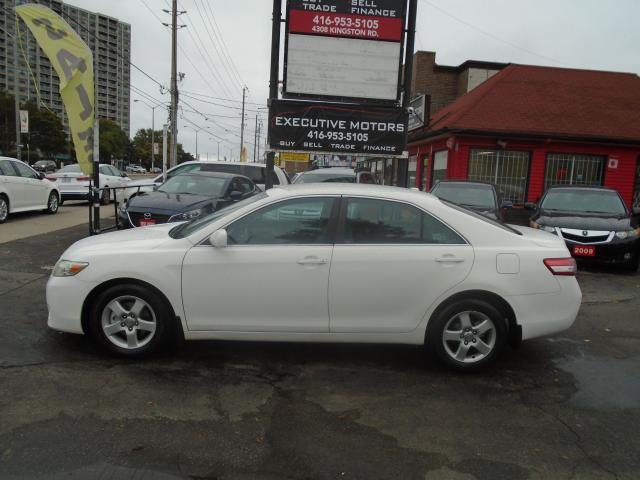 2010 Toyota Camry LE/ LOW KM / PWR GROUP / ALLOYS / CERTIFIED / MINT