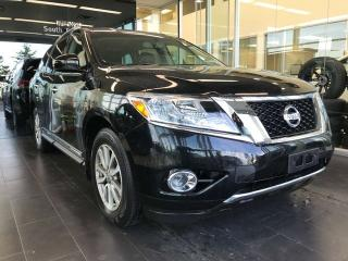 Used 2015 Nissan Pathfinder SL 4WD, KEYLESS IGNITION, POWER HEATED LEATHER SEATS, BACK-UP CAMERA for sale in Edmonton, AB
