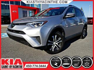 Used 2017 Toyota RAV4 LE AWD ** CAMÉRA DE RECUL for sale in St-Hyacinthe, QC