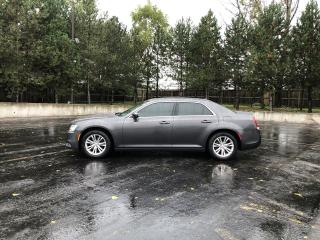 Used 2016 Chrysler 300 LIMITED RWD for sale in Cayuga, ON