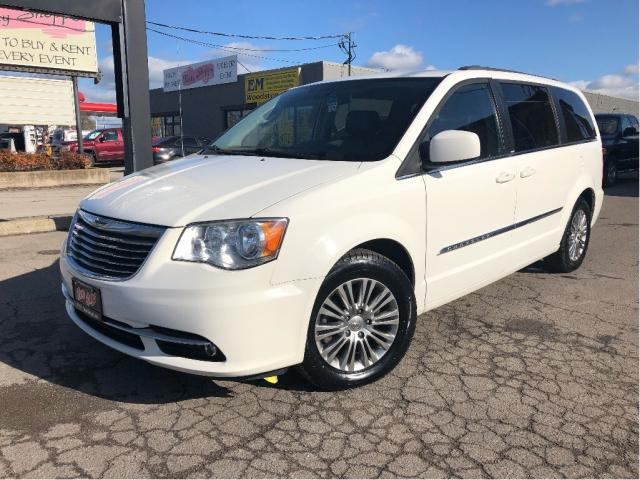2013 Chrysler Town & Country Touring -Leather | Headrest DVD | Power Sliders|