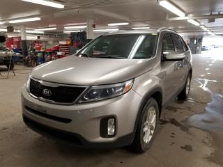 Used 2015 Kia Sorento LX* AT* SIEGES CHAUFFANTS* HITCH* BLUETOOTH* for sale in Québec, QC