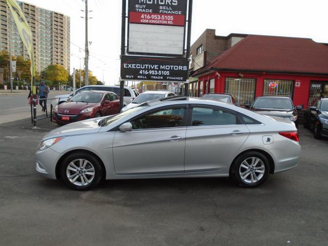 2011 Hyundai Sonata GLS/ LOADED / HEATED SEATS/ ALLOYS/ SUNROOF /CLEAN