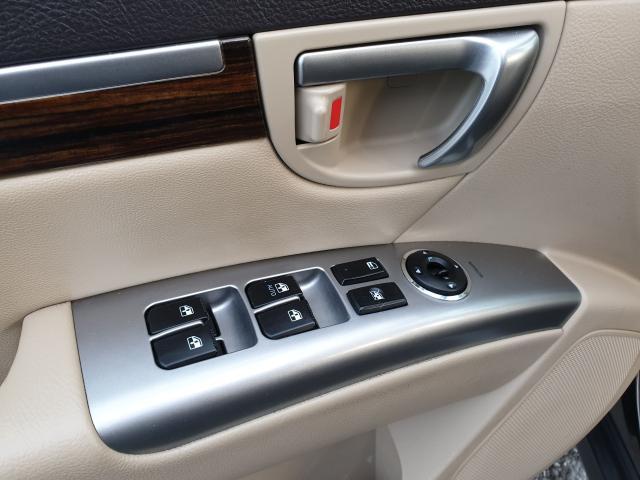 2011 Hyundai Santa Fe Limited w/Navi Photo13