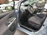 2013 Toyota Prius v  Photo31