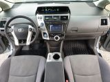 2013 Toyota Prius v  Photo36