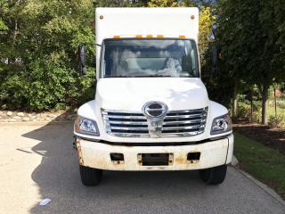 Used 2007 Hino 308 TA 24' w lift for sale in Kitchener, ON
