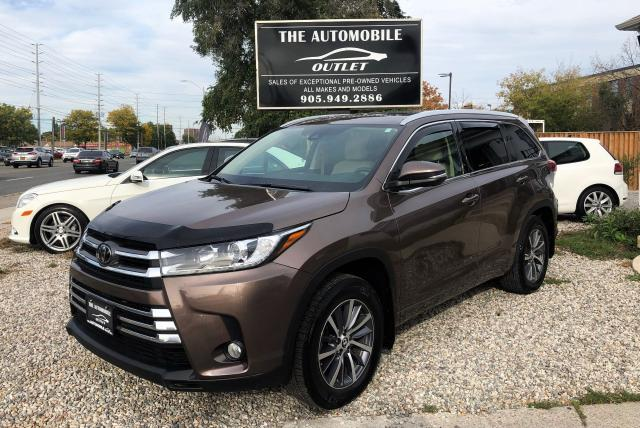 2017 Toyota Highlander XLE AWD LOW KMS ONE OWNER 8 PASS NO ACCIDENT