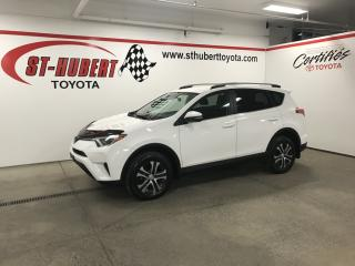 Used 2017 Toyota RAV4 AWD 4dr LE for sale in St-Hubert, QC