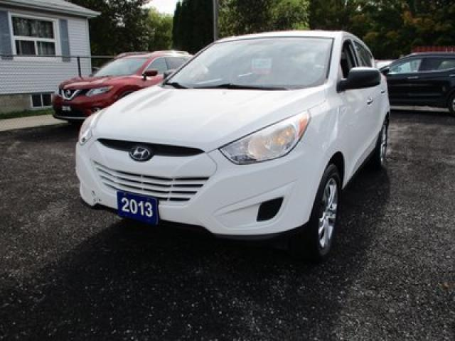 2013 Hyundai Tucson POWER EQUIPPED GL MODEL 5 PASSENGER 2.4L - DOHC.. ALL-WHEEL DRIVE.. CLOTH INTERIOR.. HEATED SEATS.. AUX/USB.. BLUETOOTH CONNECTION..
