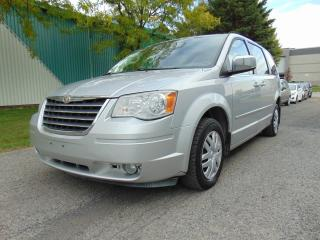 Used 2008 Chrysler Town & Country Familiale tourisme 4 portes for sale in St-Eustache, QC