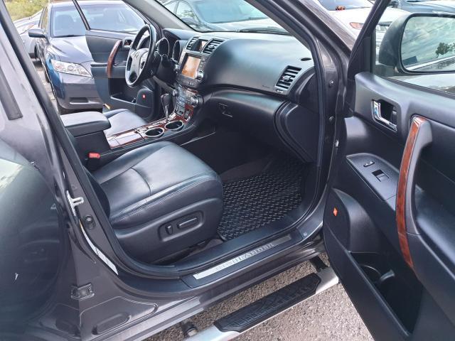 2012 Toyota Highlander LIMITED  Photo19