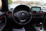 2017 BMW 3 Series 320i xDrive | NAVIGATION | SPORT | LEATHER | SUNROOF | BT
