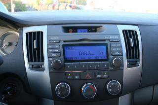 Used 2009 Hyundai Sonata GL for sale in Nepean, ON