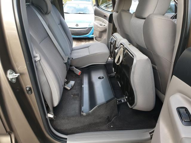 2014 Toyota Tacoma Double Cab V6 Photo16