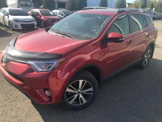 Used 2016 Toyota RAV4 XLE **CAMERA/TOIT/PEA PLATINE JUIN 2020* for sale in St-Eustache, QC