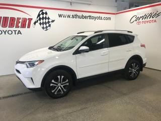 Used 2017 Toyota RAV4 FWD 4dr LE, CAMÉRA DE RECUL, BANCS CHAUFFANTS for sale in St-Hubert, QC