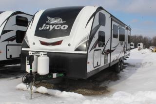 Used 2017 Jayco Whitehawk 31BHBS for sale in Whitby, ON