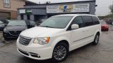 Photo of White 2013 Chrysler Town & Country