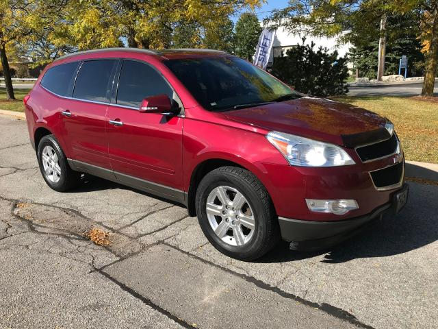 2011 Chevrolet Traverse AWD 1LT,DOUBLE SUNROOF,BLUETOOTH,HEATED SEATS !
