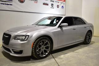 Used 2017 Chrysler 300 S+toit+cuir+navigation+V-8 for sale in Sherbrooke, QC