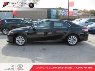 Used 2018 Toyota Camry HYBRID LE Auto for sale in Toronto, ON