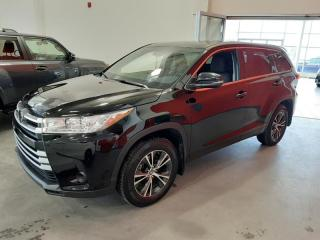 Used 2017 Toyota Highlander LE AWD for sale in Québec, QC