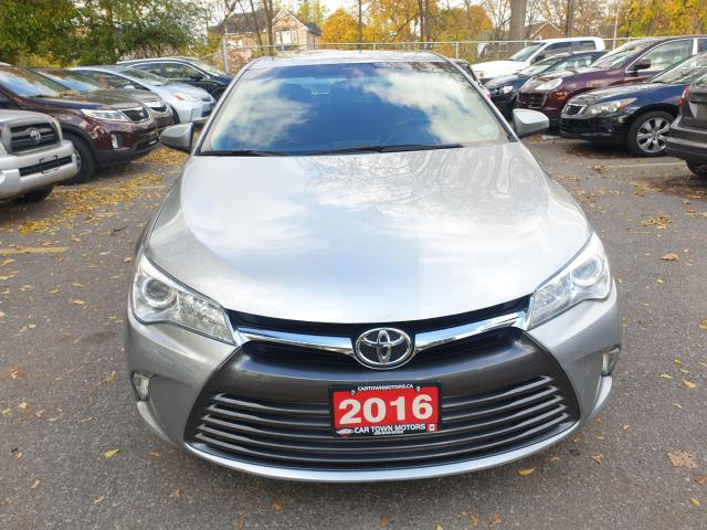 2016 Toyota Camry LE Photo2