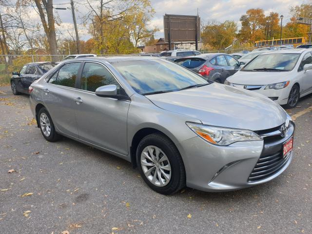 2016 Toyota Camry LE Photo3