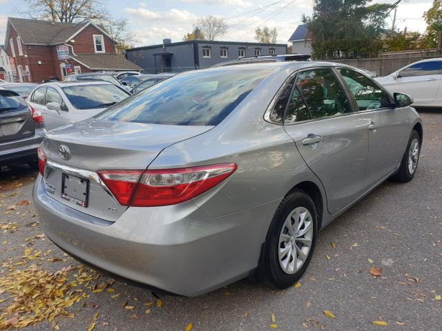 2016 Toyota Camry LE Photo4