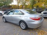 2016 Toyota Camry LE Photo28