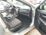 2016 Toyota Camry LE Photo32