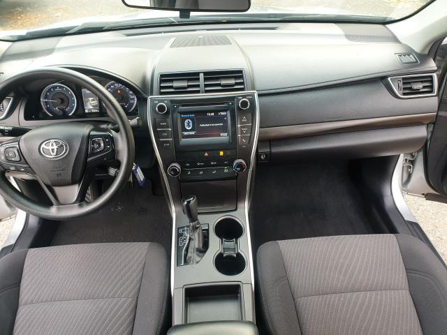 2016 Toyota Camry LE Photo13