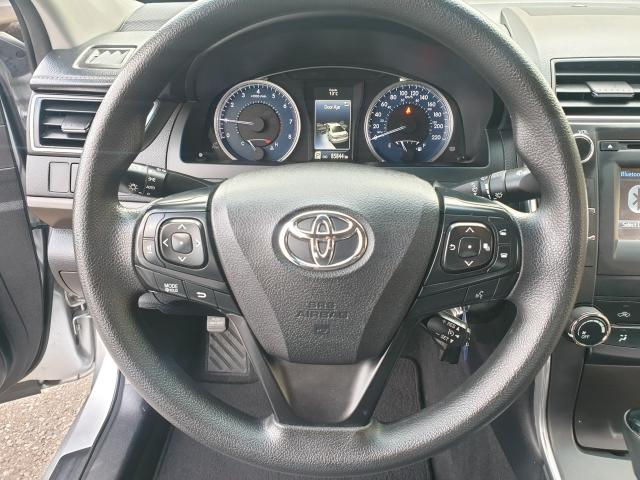 2016 Toyota Camry LE Photo15