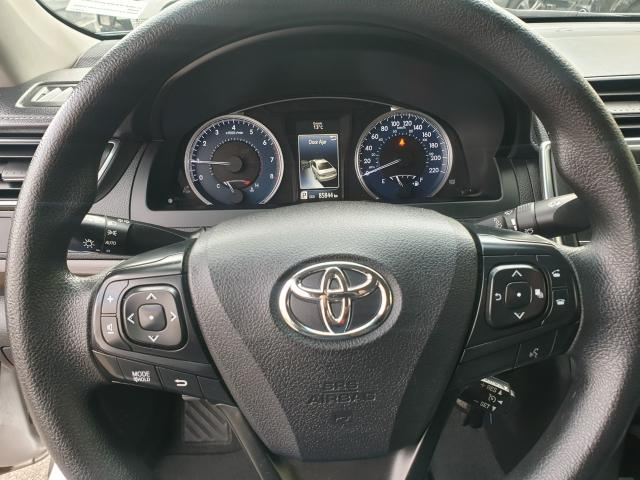 2016 Toyota Camry LE Photo20