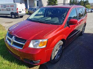 Used 2010 Dodge Grand Caravan SXT / 4.0L / BAS KM / CRUISE / STOW N GO for sale in Sherbrooke, QC
