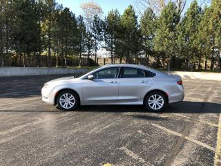 Used 2015 Chrysler 200 LIMITED 2WD for sale in Cayuga, ON