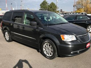 Used 2012 Chrysler Town & Country TOURING L ** NAVI, HTD LEATHER, REV. CAM, ** for sale in St Catharines, ON