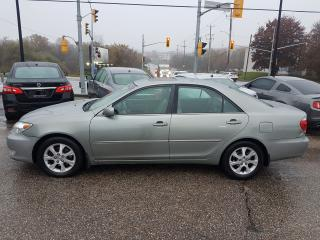 Used 2005 Toyota Camry LE *LEATHER-SUNROOF* for sale in Kitchener, ON
